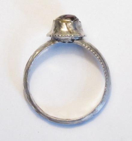 13-14. századi köves, ezüst gyűrű